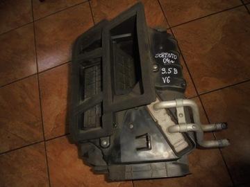KIA SORENTO 3.5 V6 04' OBUDOWA NAGRZEWNICA WODY