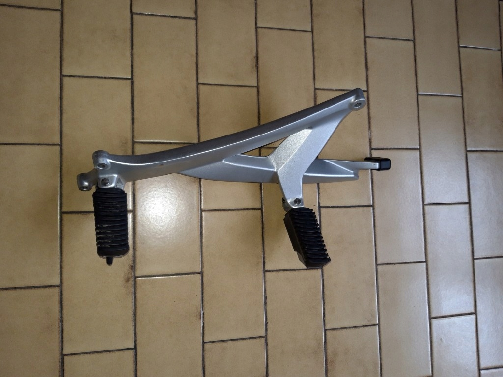 Bmw K1200GT K44 K1300GT пластина подножка левая