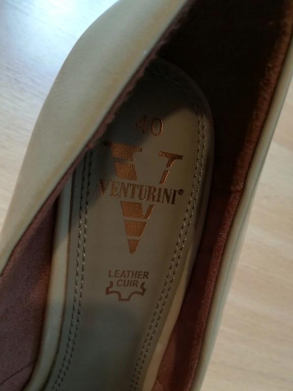Venturini buty czółenka na koturnie 40