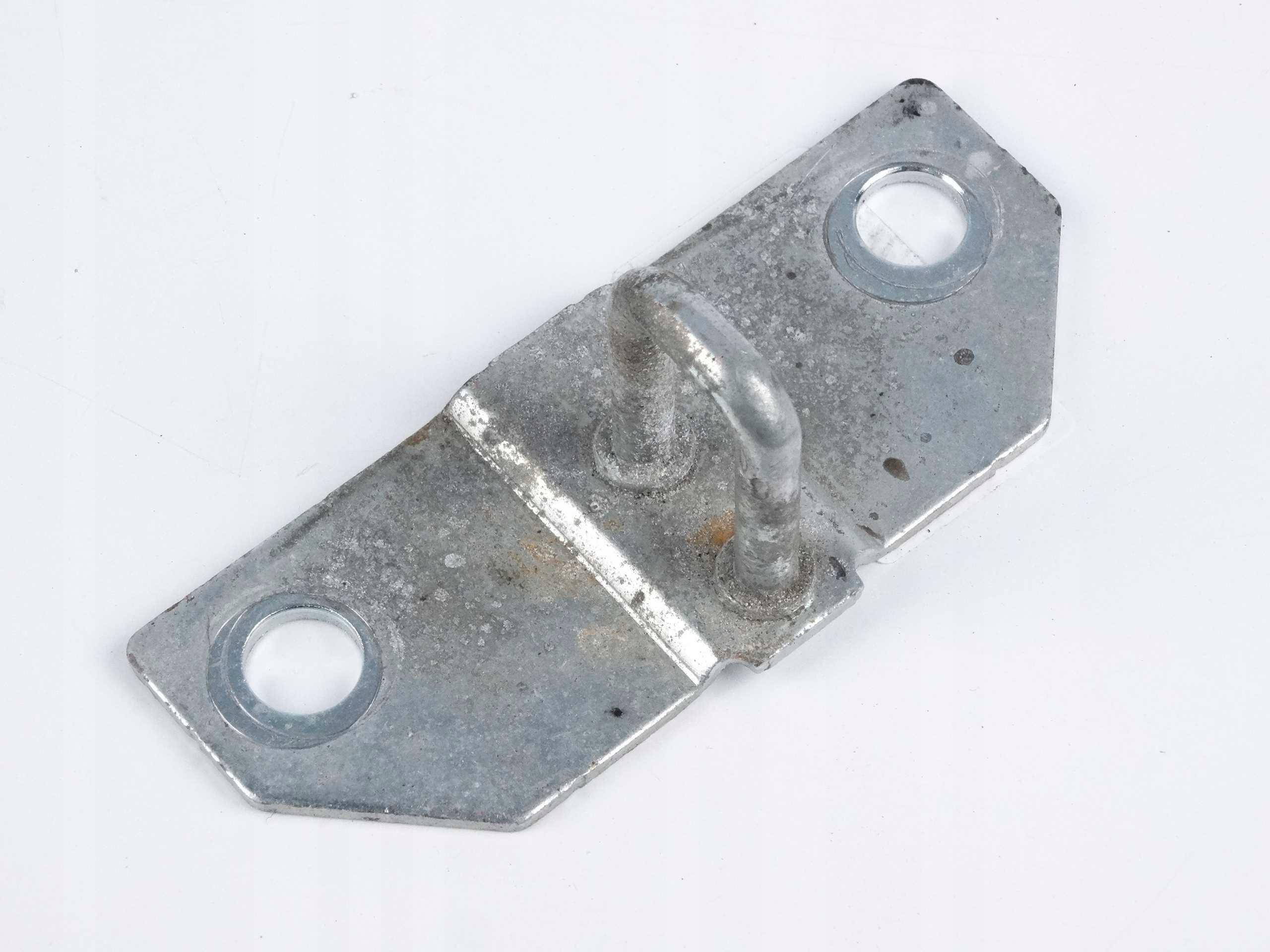 mercedes b w245 ригель замка люка багажник сзади