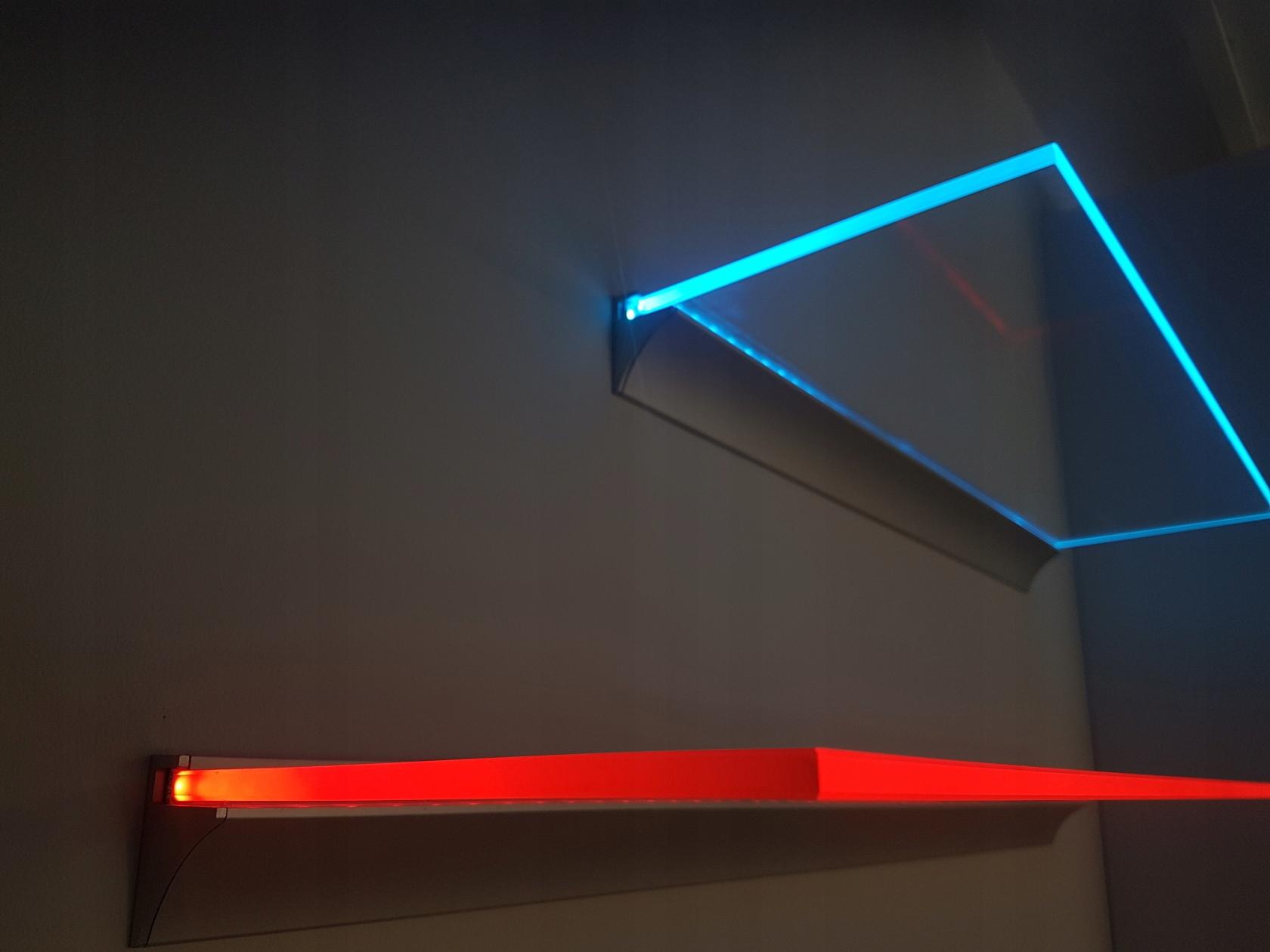 Sklenená polica s LED PODSVIETENÍM SKLENENÉ POLICE, 60x20