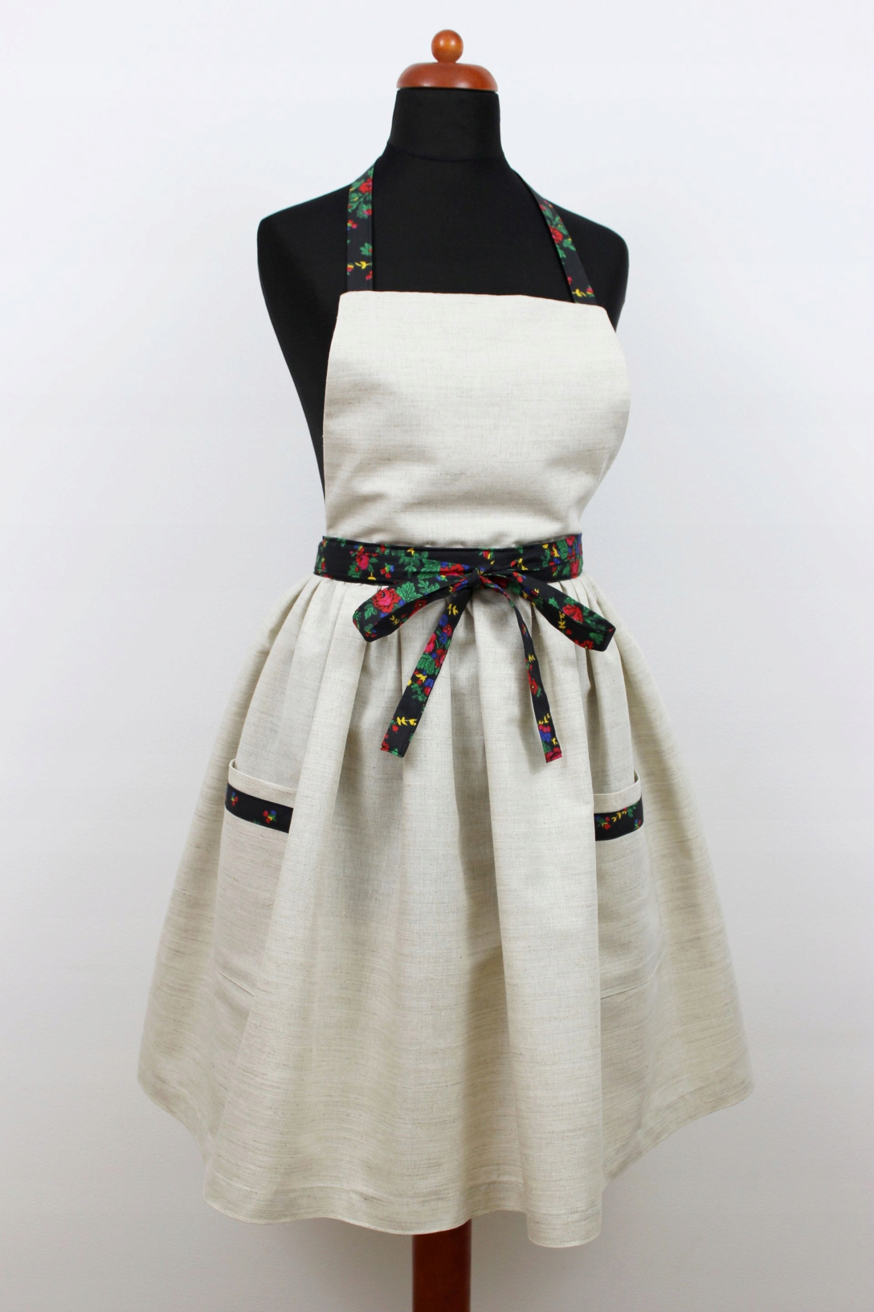 Zástera šaty, bielizeň retro vrecká, kvety, ľudová