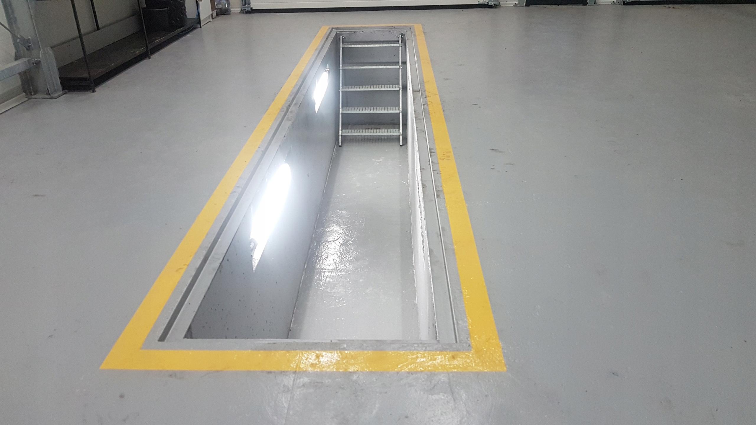 Item Channel car sealed cast concrete length of 5.54