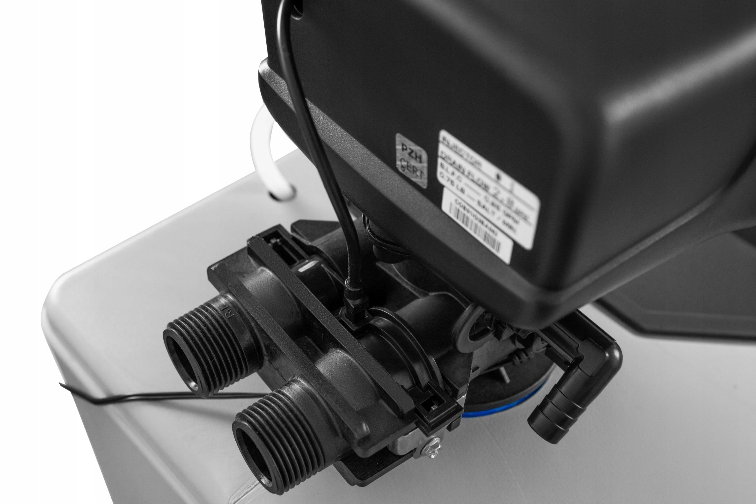 ZMIĘKCZACZ WODY WATER TECHNIC 32 +GENERATOR CHLORU EAN 5903684218011