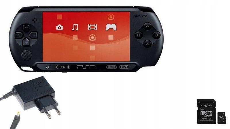 Item SONY PSP STREET + MEMORY CARD + 2 GAMES