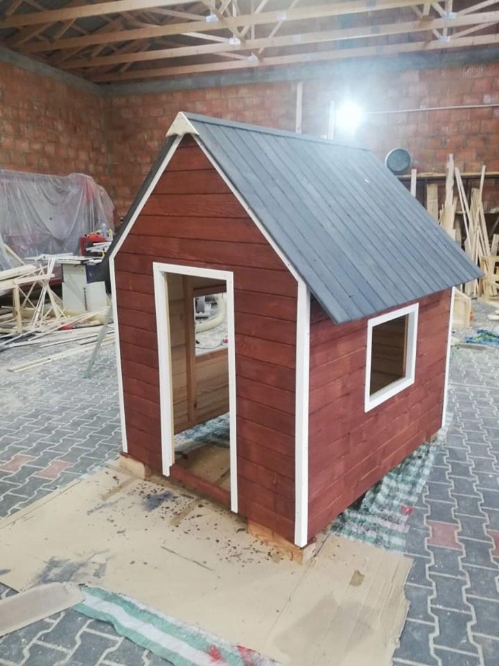 Detské ihrisko, šmýkačka,Hojdačky,malý dom pre dieťa