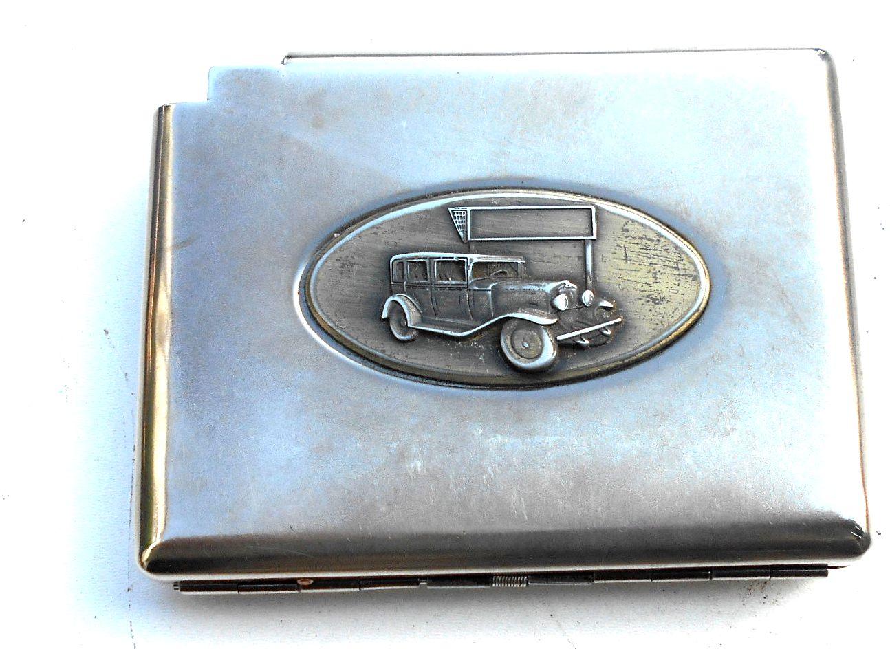 Cigareta prípade kovov s motívom auta,retro