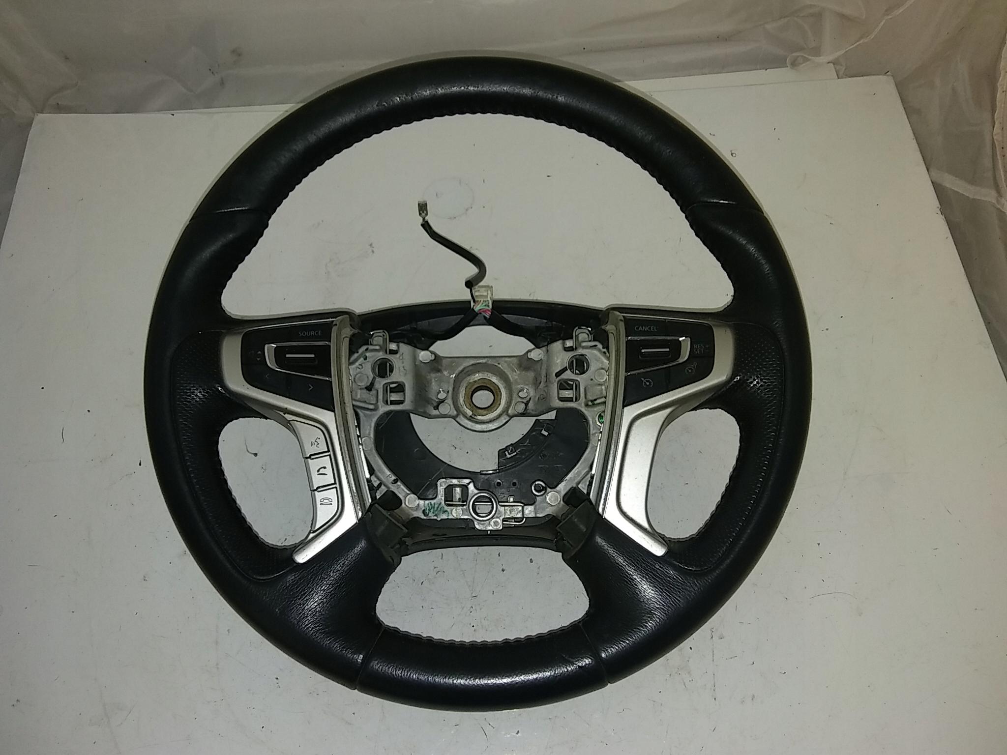 mitsubishi l200 17r руль z multifunkcja