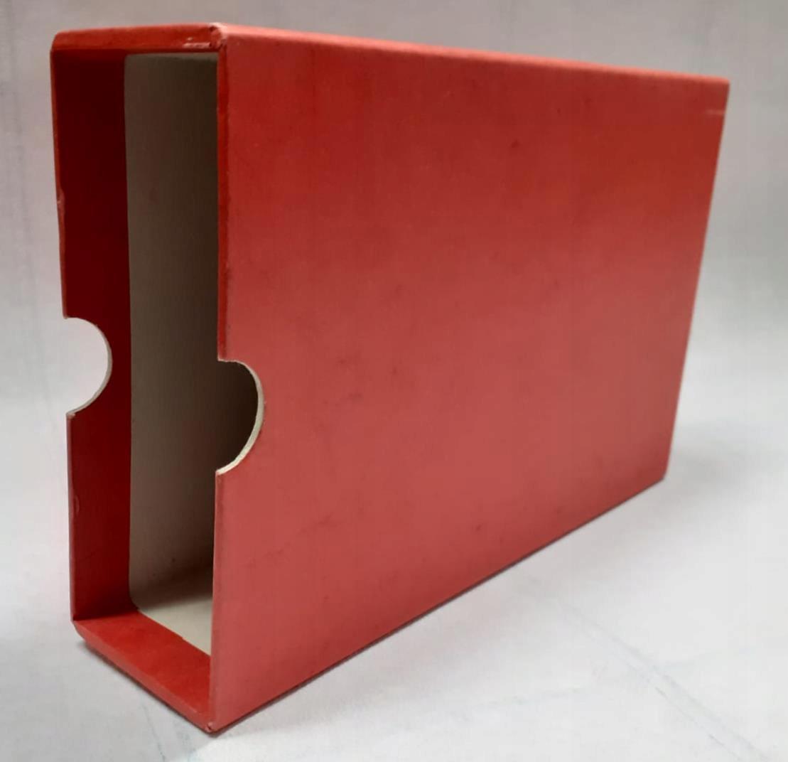 Czerwony futerał / etui ochronny 245 x 150 x 60mm