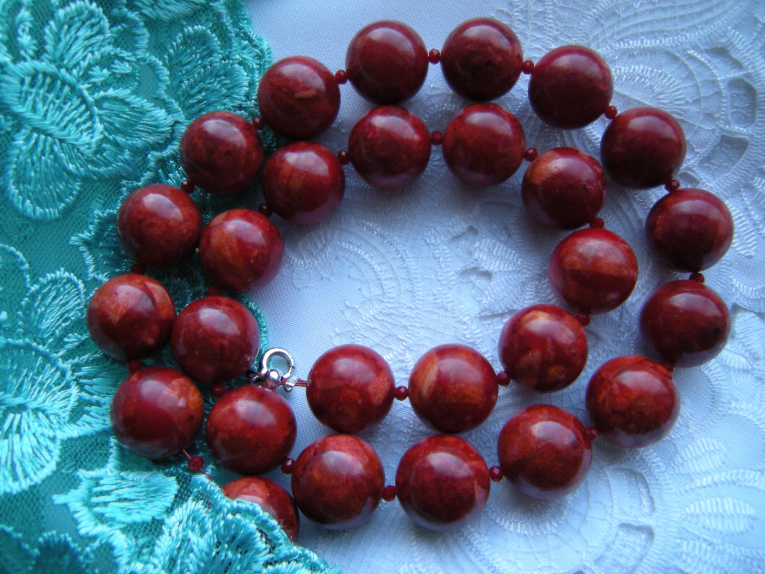 52 korálky náhrdelník coral red korálky 16 mm