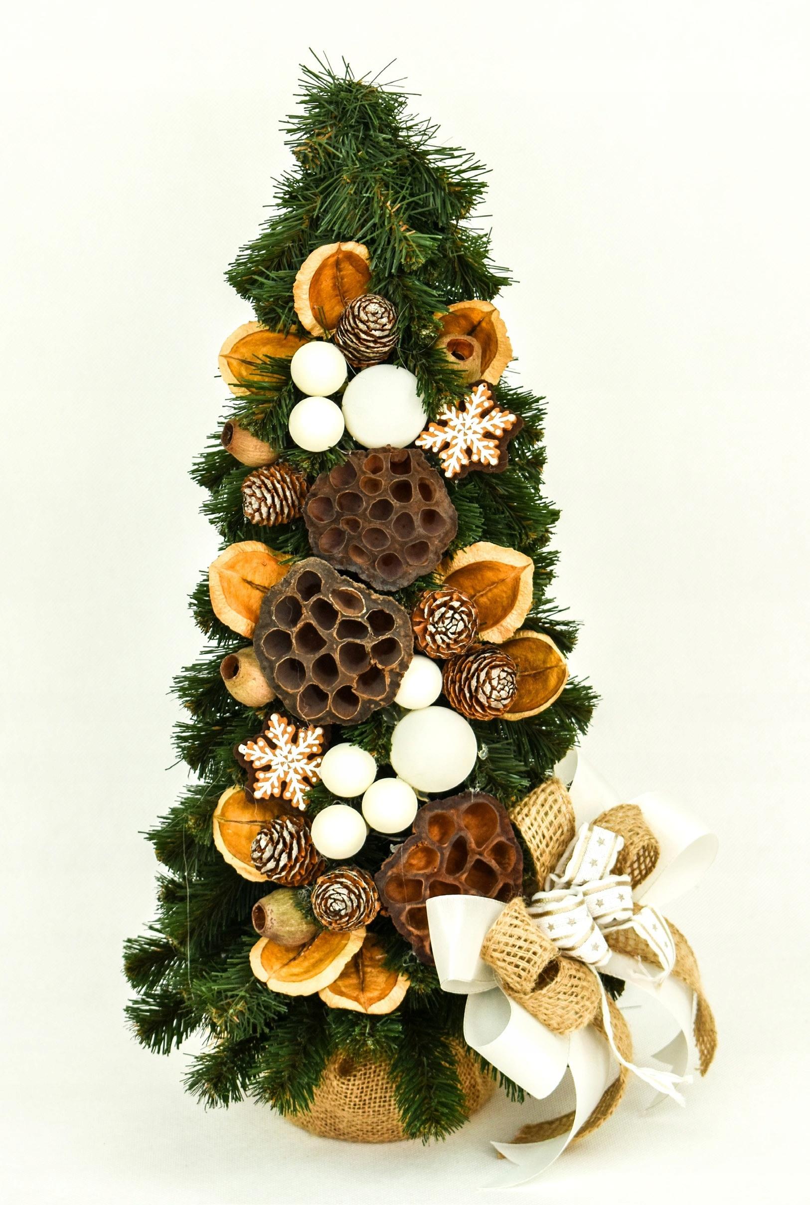 Kónický umelý vianočný stromček zdobený cookies 50 cm