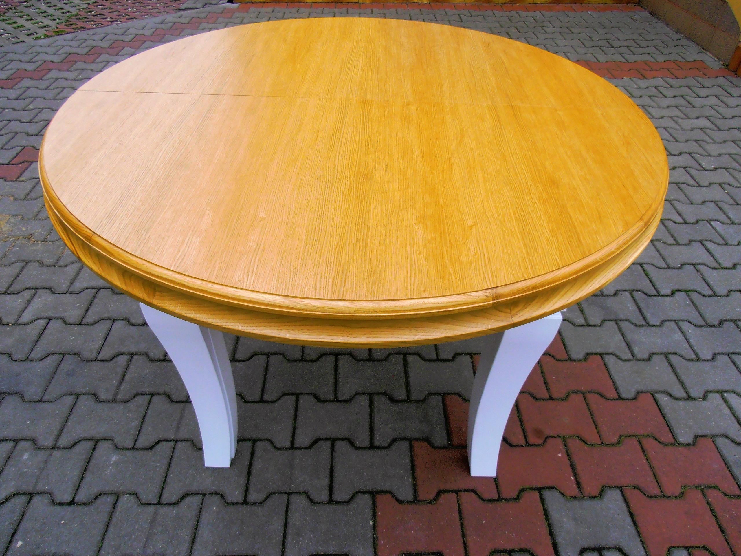 Rozťahovací okrúhly stôl 8 nôh 110 cm x 310 cm Hit