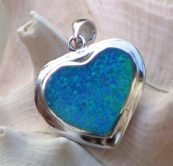 Prívesok srdce s modrým opal 925 sterling silver nové