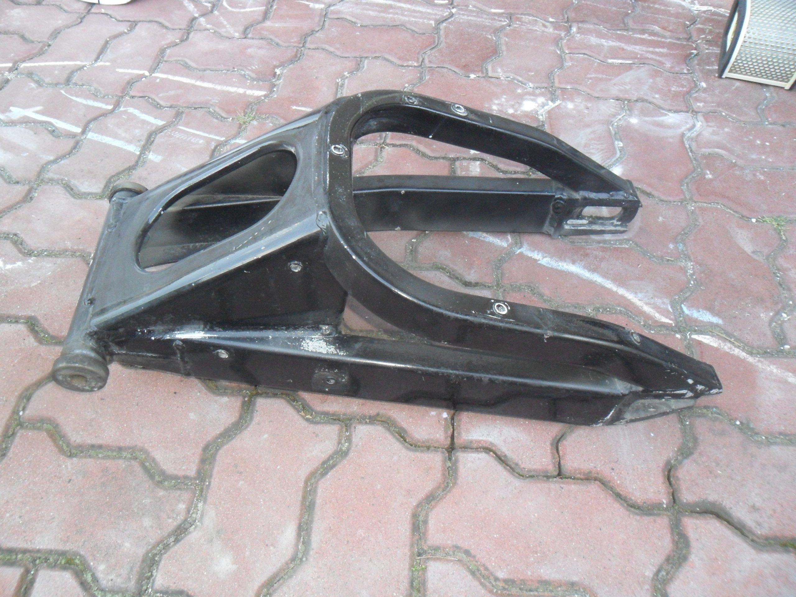 YAMAHA R1 - Рычаг независимой подвески колеса, сзади - поперечные Рычаги, Сзади - 98r.