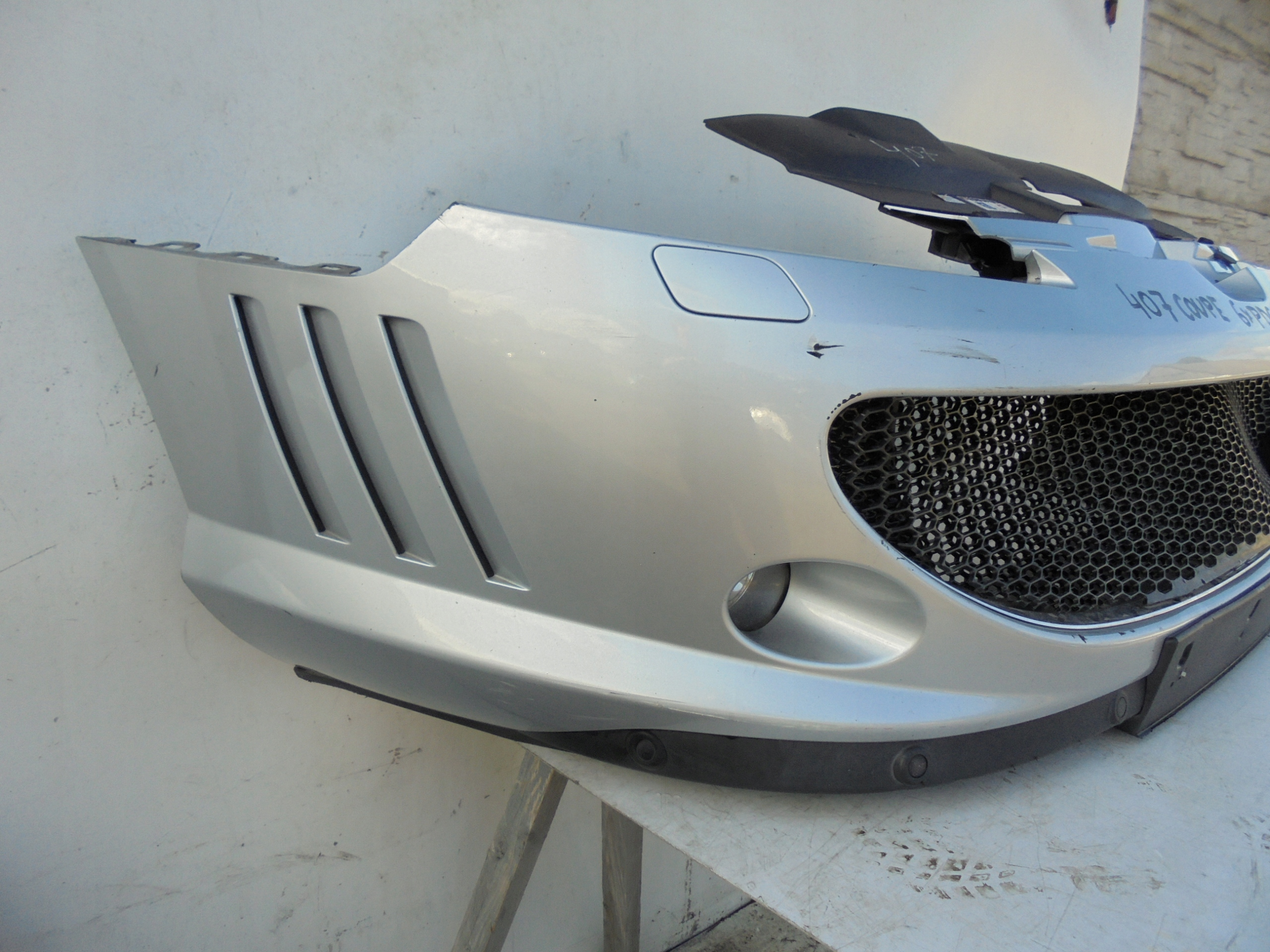 FRONT BUMPER PEUGEOT 407 COUPE 6x PDC SPRAY