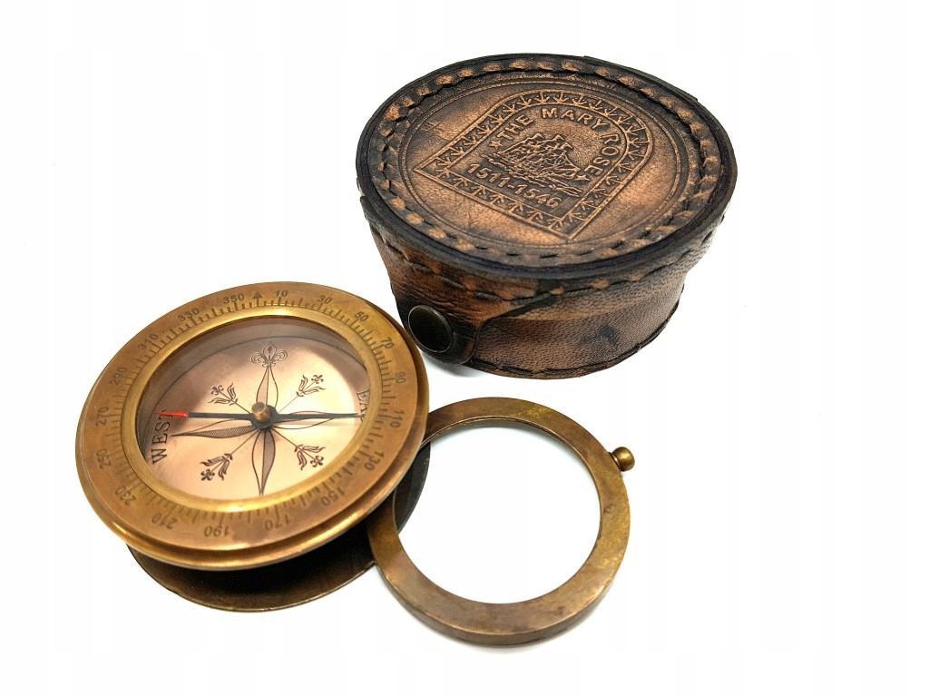Mosadzný kompas s lupou v prípade