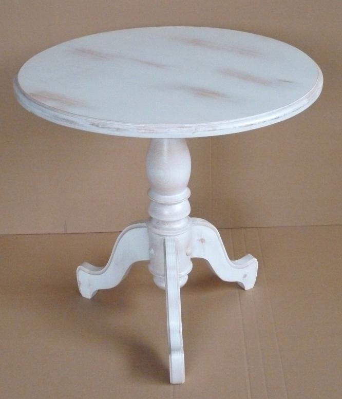 Drevený stolík bielej vintage