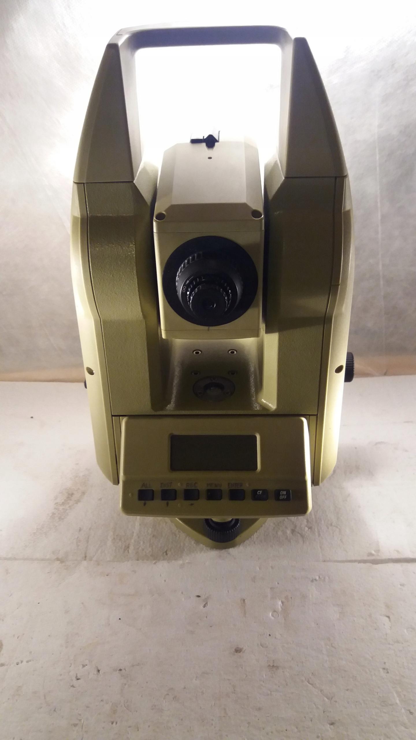 Tachimetr Leica TC600 + świadectwo