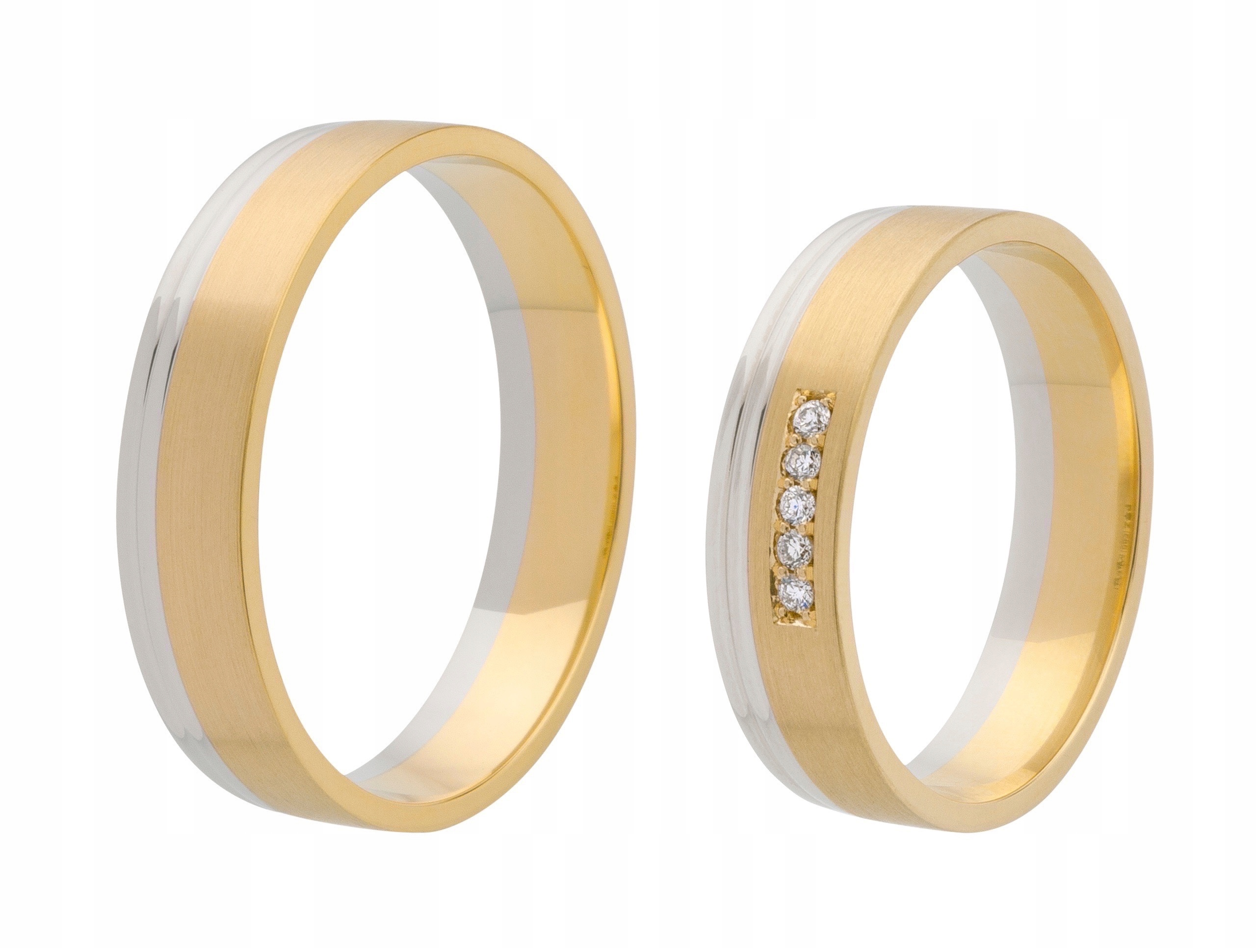Item Two tone GOLD wedding RING with 5 DIAMONDS