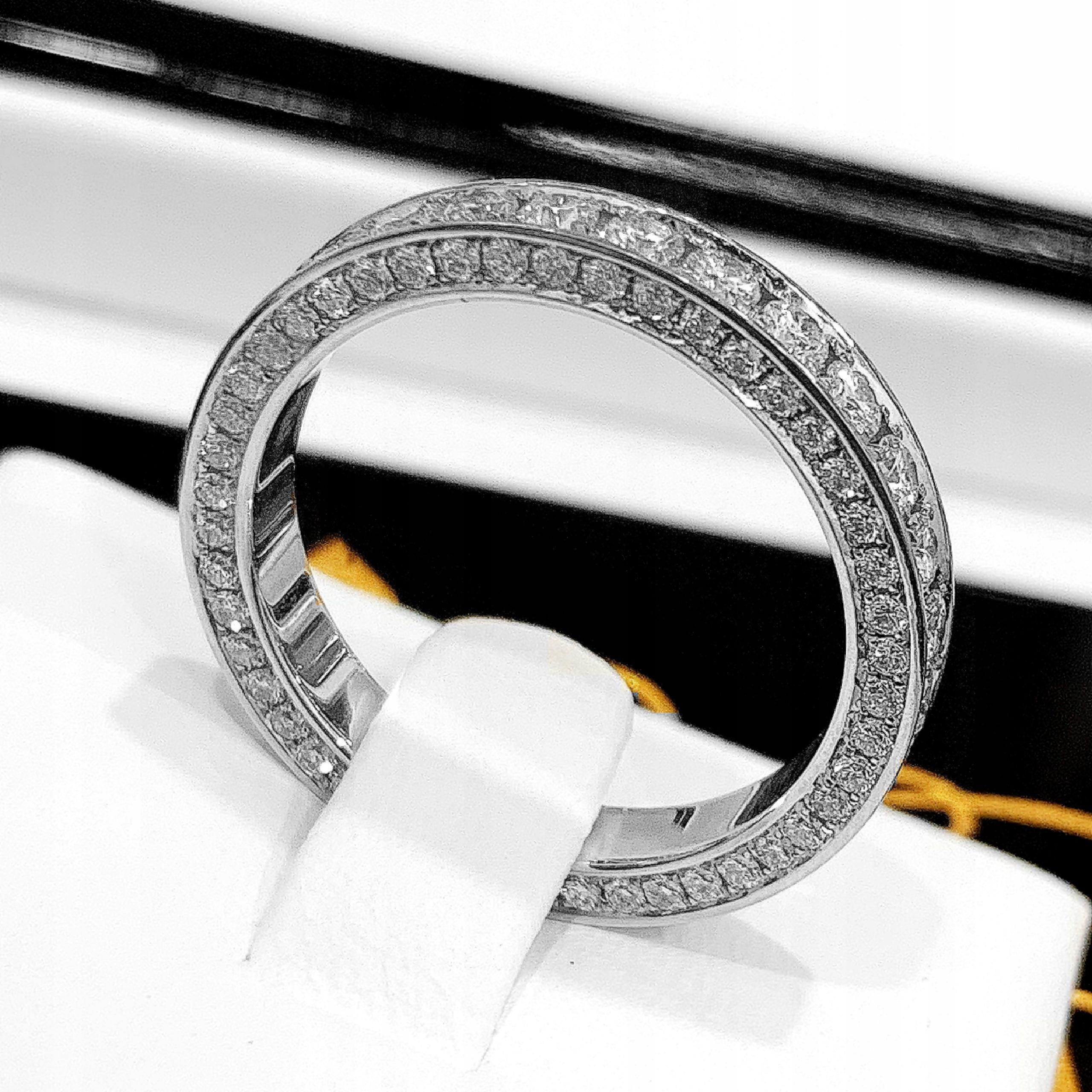 Zásnubný prsteň PLNÝ DIAMOND BAND