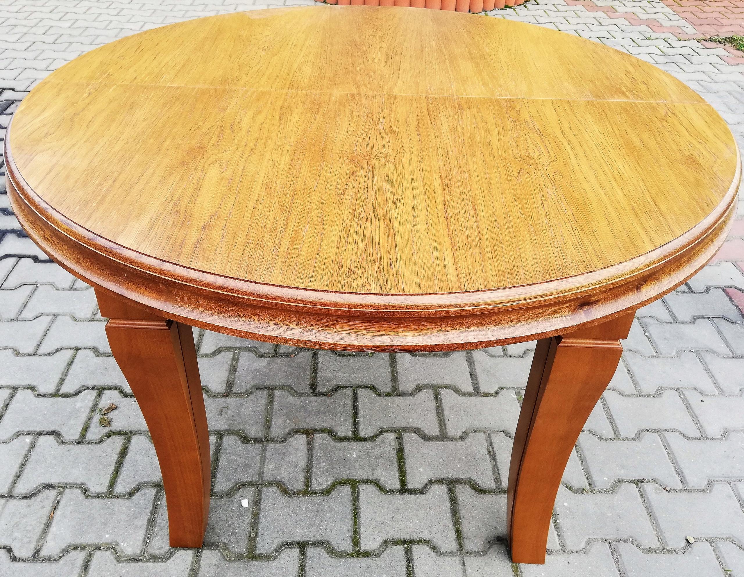 Rozťahovací okrúhly stôl 110 cm x 410 cm, 8 nožičiek