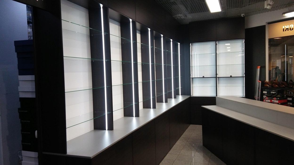 Купить ПРОИЗВОДИТЕЛЬ мебель для магазинов витрины стеллажи прилавки магазин на Otpravka - цены и фото - доставка из Польши и стран Европы в Украину.