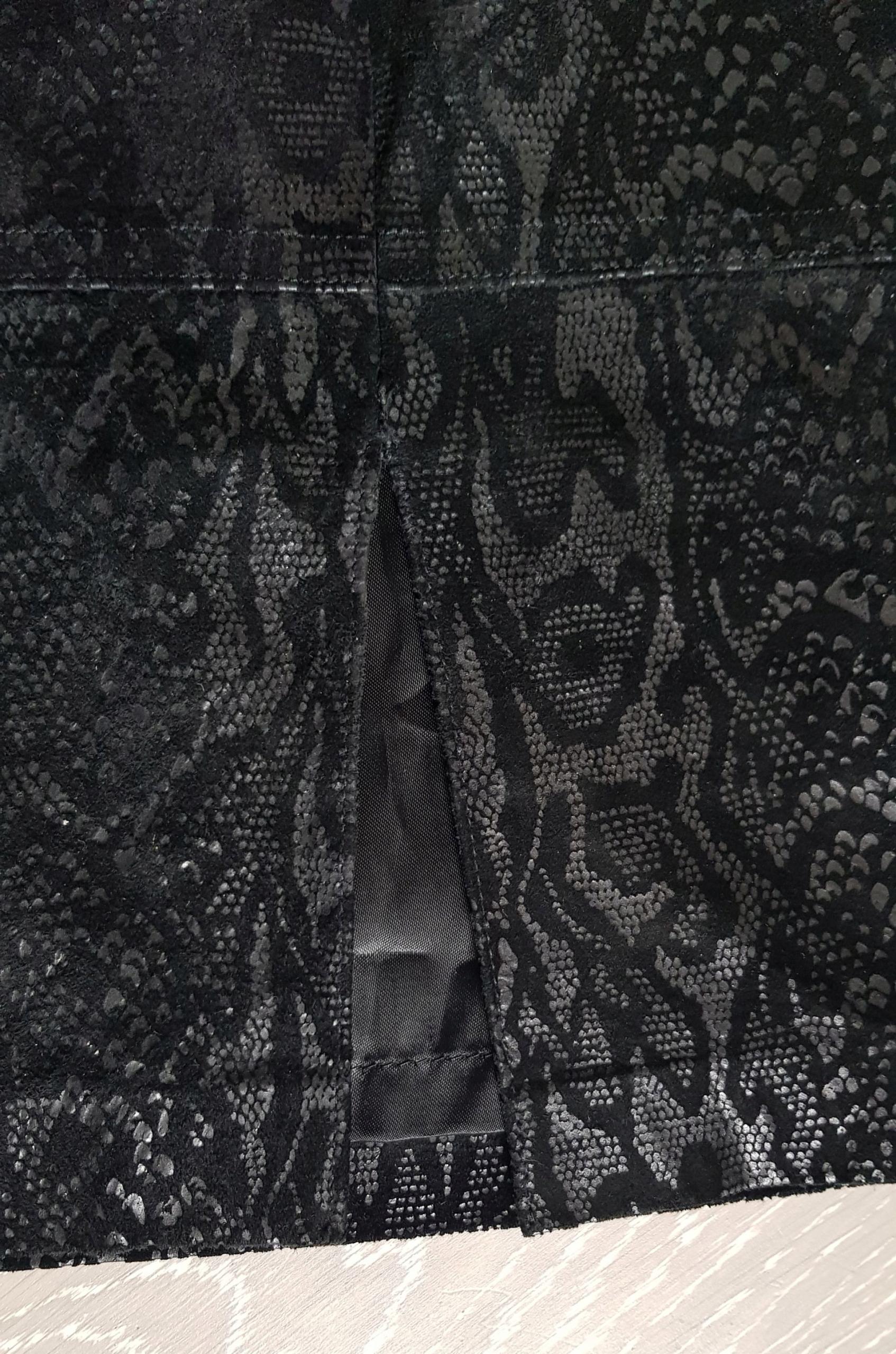 ESCADA By MARGARETHA LEY ołówkowa skóra 40/L 1899€.