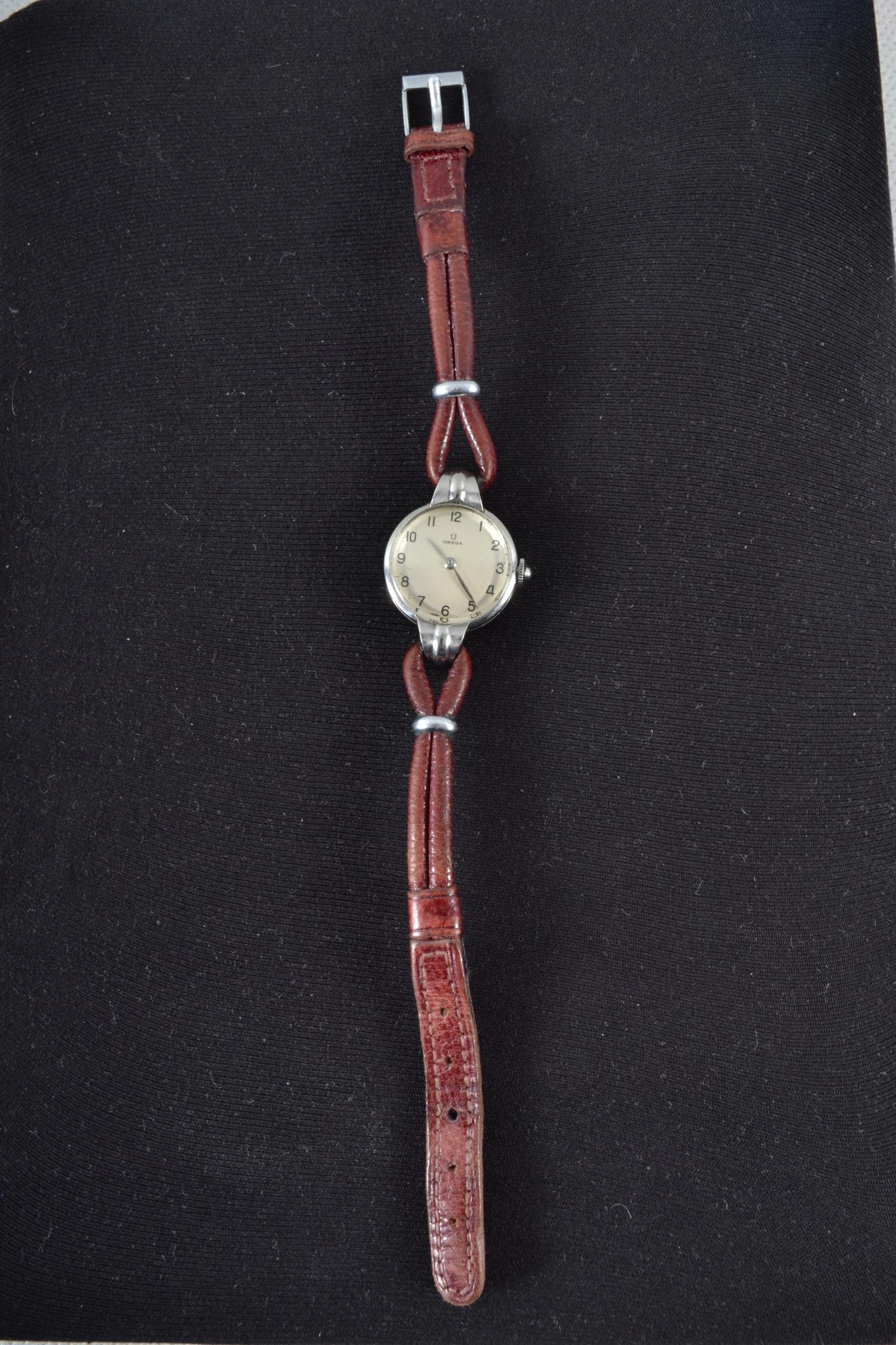 Zegarek damski Omega 12 27g połowa XX wieku