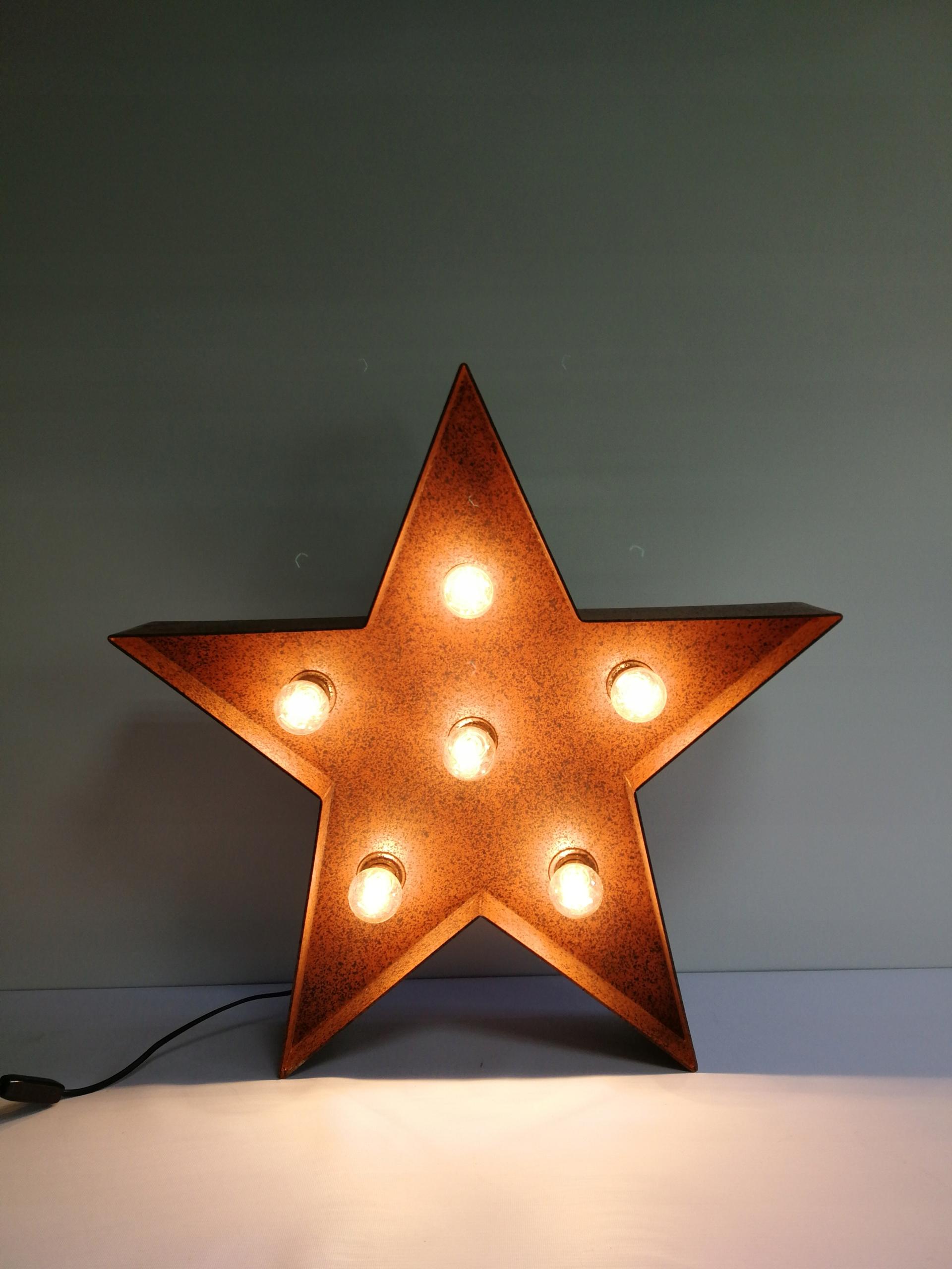 Hviezda, nápis, dekorácie (2)