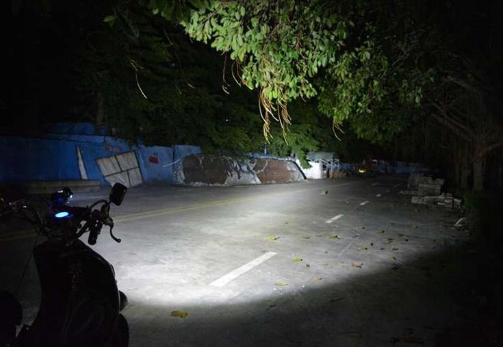 HALOGENAS ZIEDAI 4 x CREE LED 8000 LM + 2 JUNGIKLIAI
