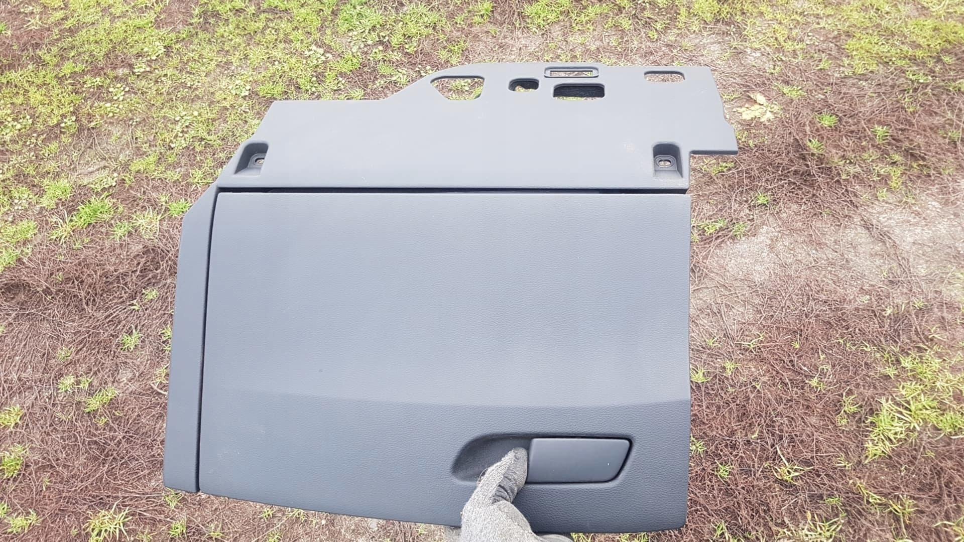 Вещевой ящик переднего пассажира доски A4 B9 8W1857035 A5 F5 SLINE