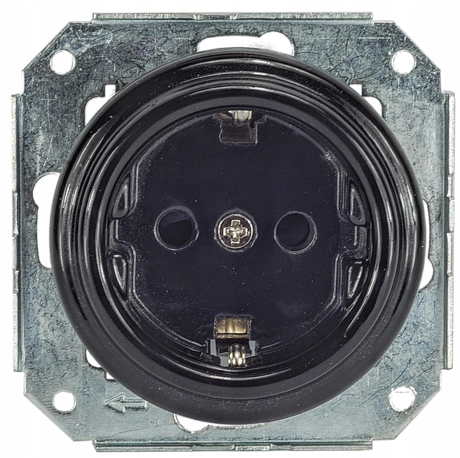 keramické black zásuvkou schuko 230 V PODKROVÍ retro