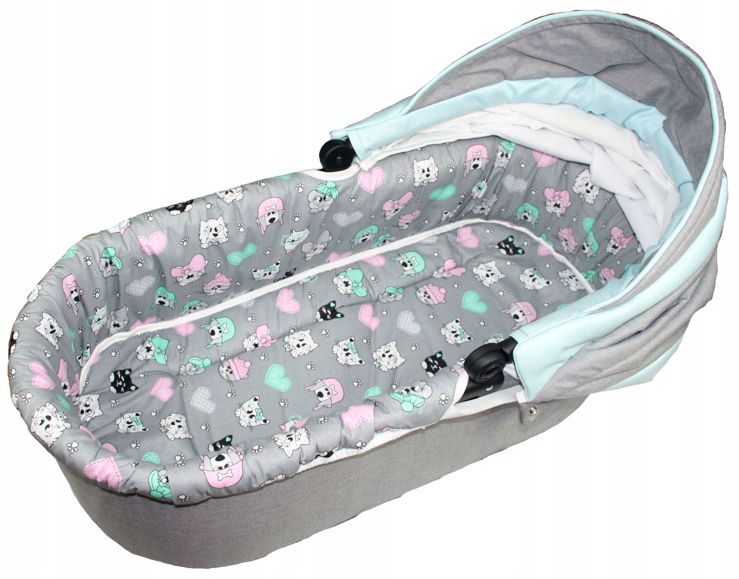 Item THE CONTRIBUTION OF MATTRESS CARRYCOT PRAM