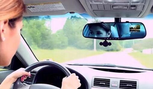 камера для водителя + автомобильный видеорегистратор