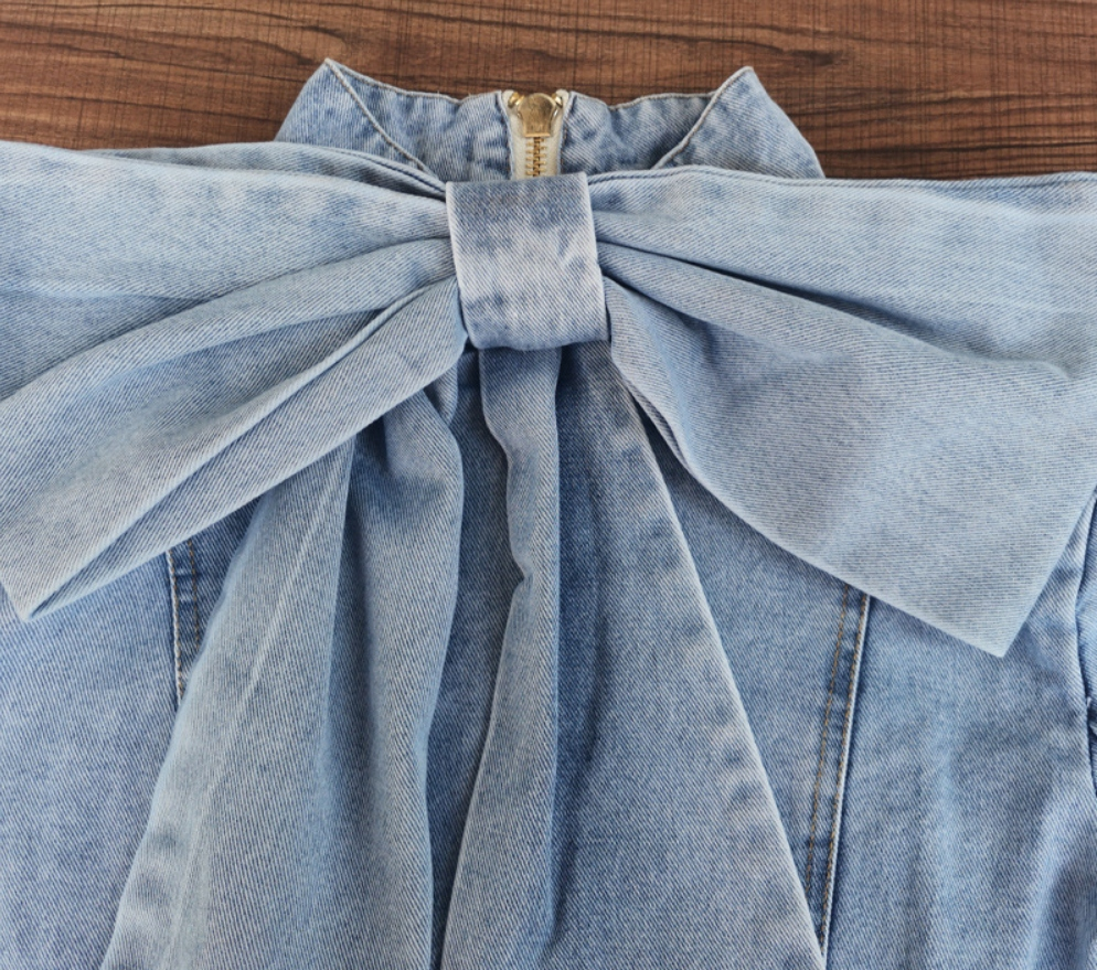 Какую рубашку одеть под синий костюм фото вышла видеоверсия