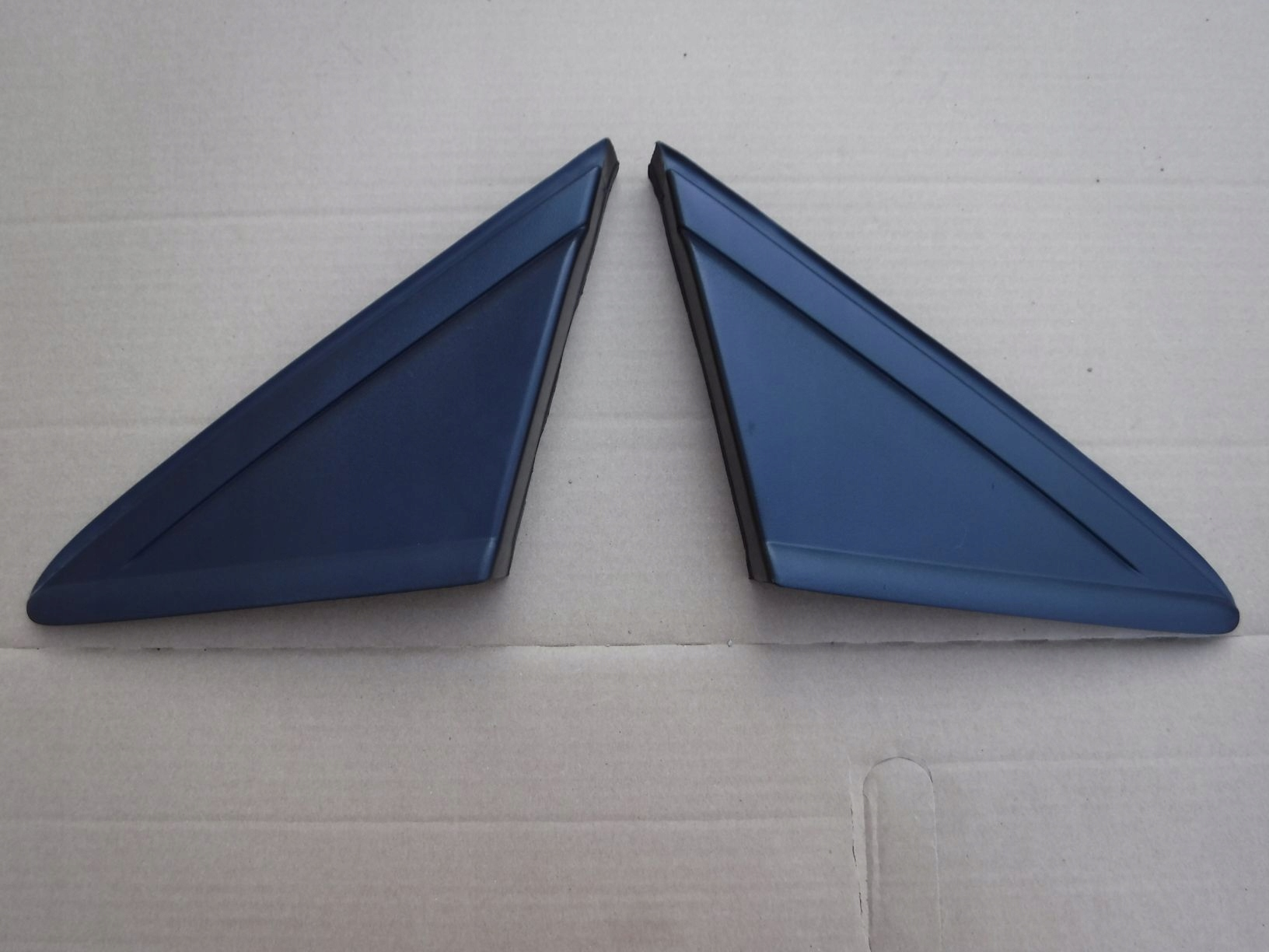 Треугольник перед крышкой зеркала FORD KUGA MK2