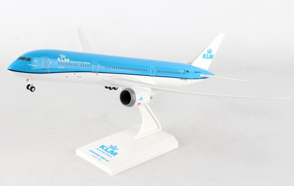 Купить Модель самолета Boeing 787-900 KLM 1:200 ШАССИ на Otpravka - цены и фото - доставка из Польши и стран Европы в Украину.