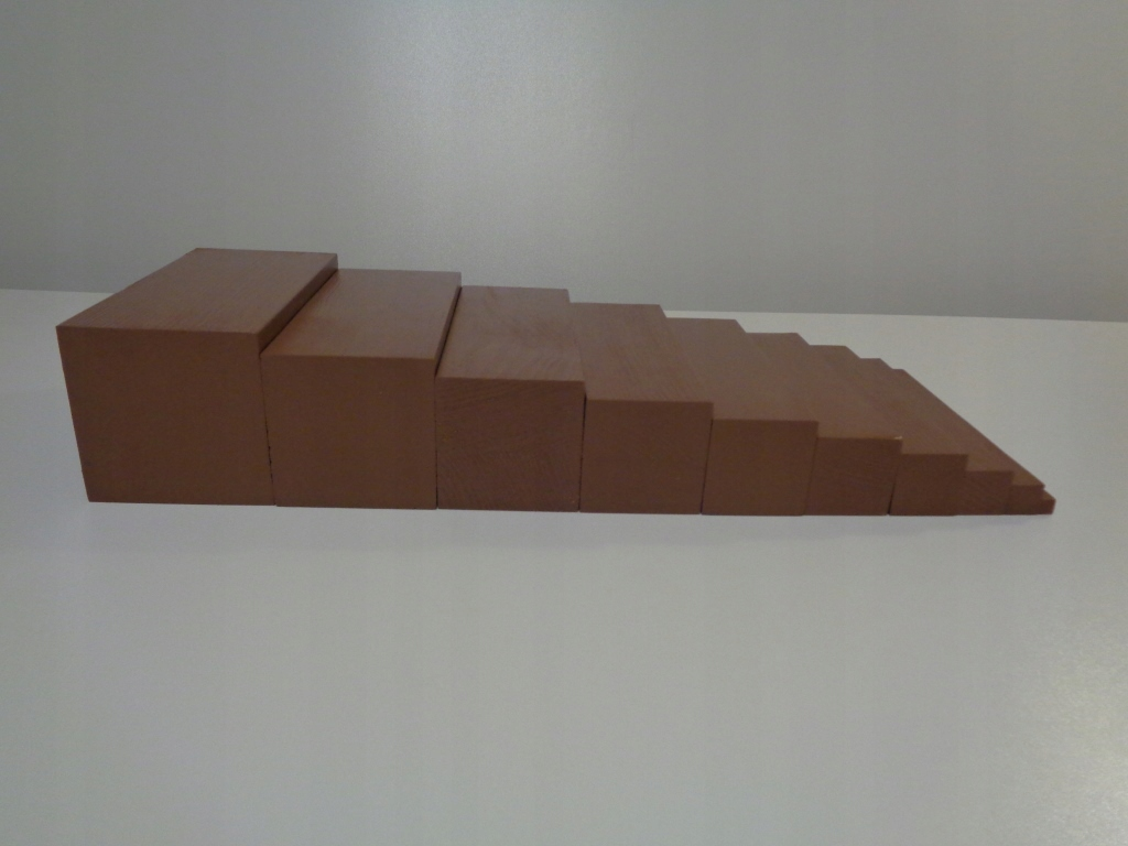 Hnedé schody - BEECH - Montessori pomoc