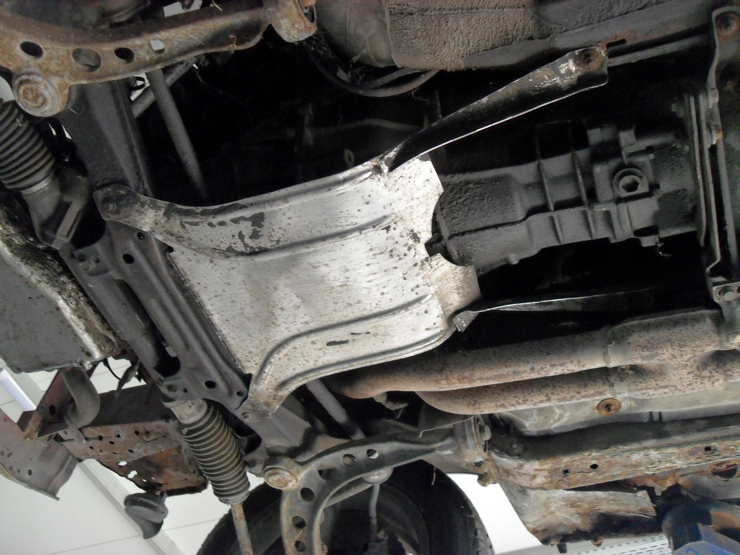 BMW E30 osłona skrzyni biegów raryta 320i 325i m20
