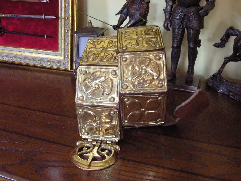 Unikátny rímsky pásový stôl AGI3847.09