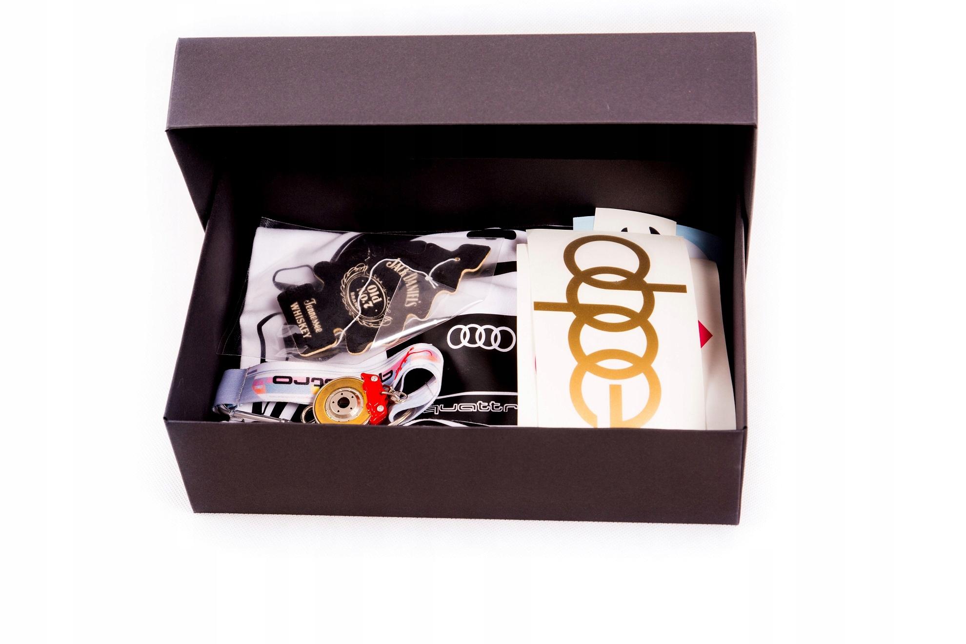 Подарочная коробка: наклейки, брелок, футболка Audi RS6