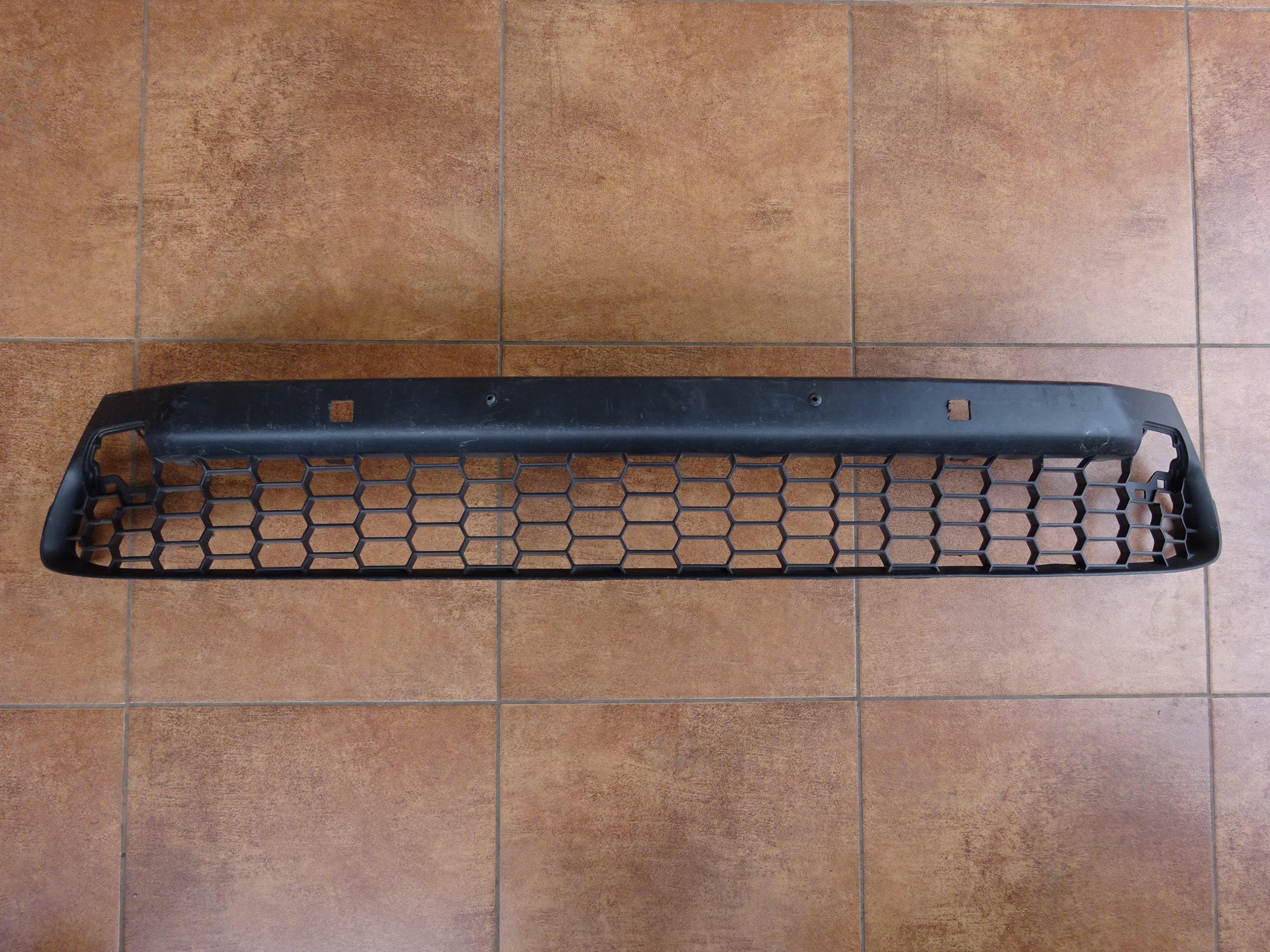 lexus nx300h nx200t 2014- решетка нижняя гриль вперед