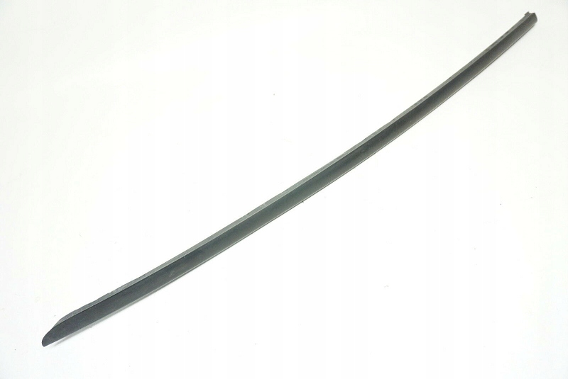 прокладка планка стекла вперед audi a5 8t0854327a