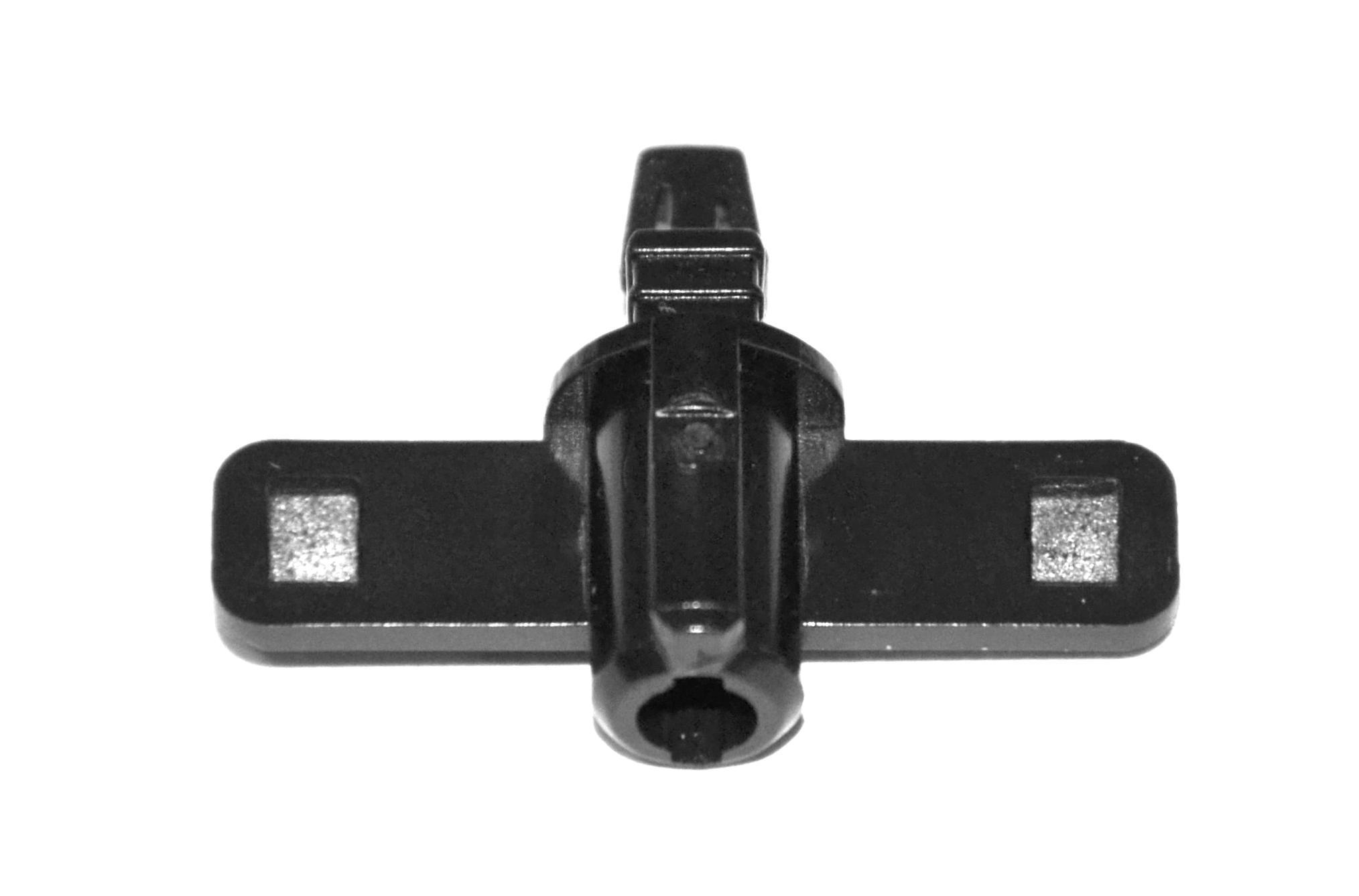 крепление заглушки омывателя lexus is250 rx350