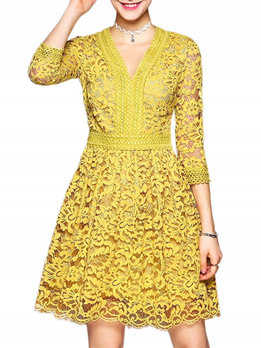 Medové čipkované šaty !!