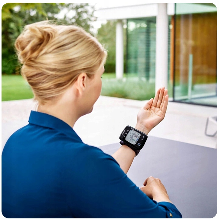 OMRON RS8 АРИТІЯ ДЛЯ ТИСКУ НА ЗАПІСТЦІ Модель NFC RS8