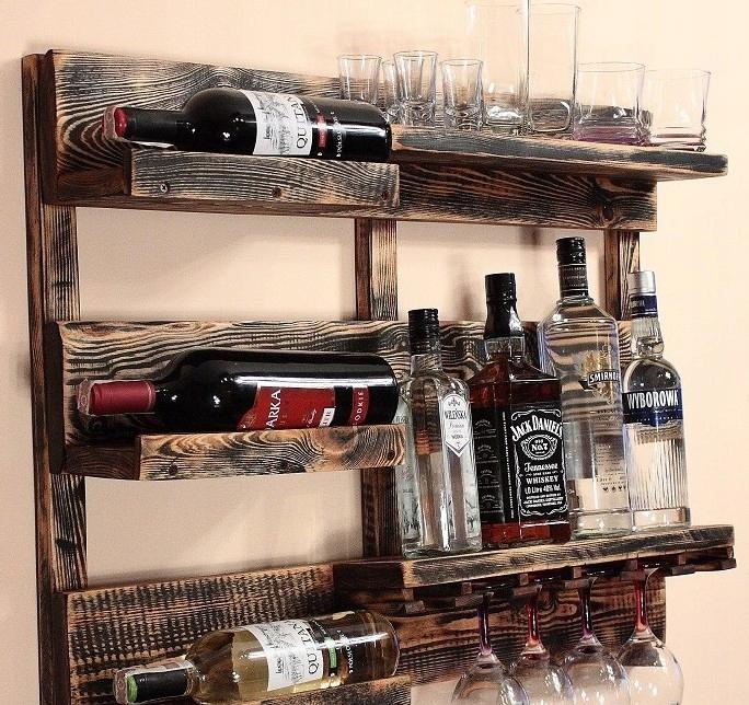 Polica na víno a alkohol z palety rustikálny vintage