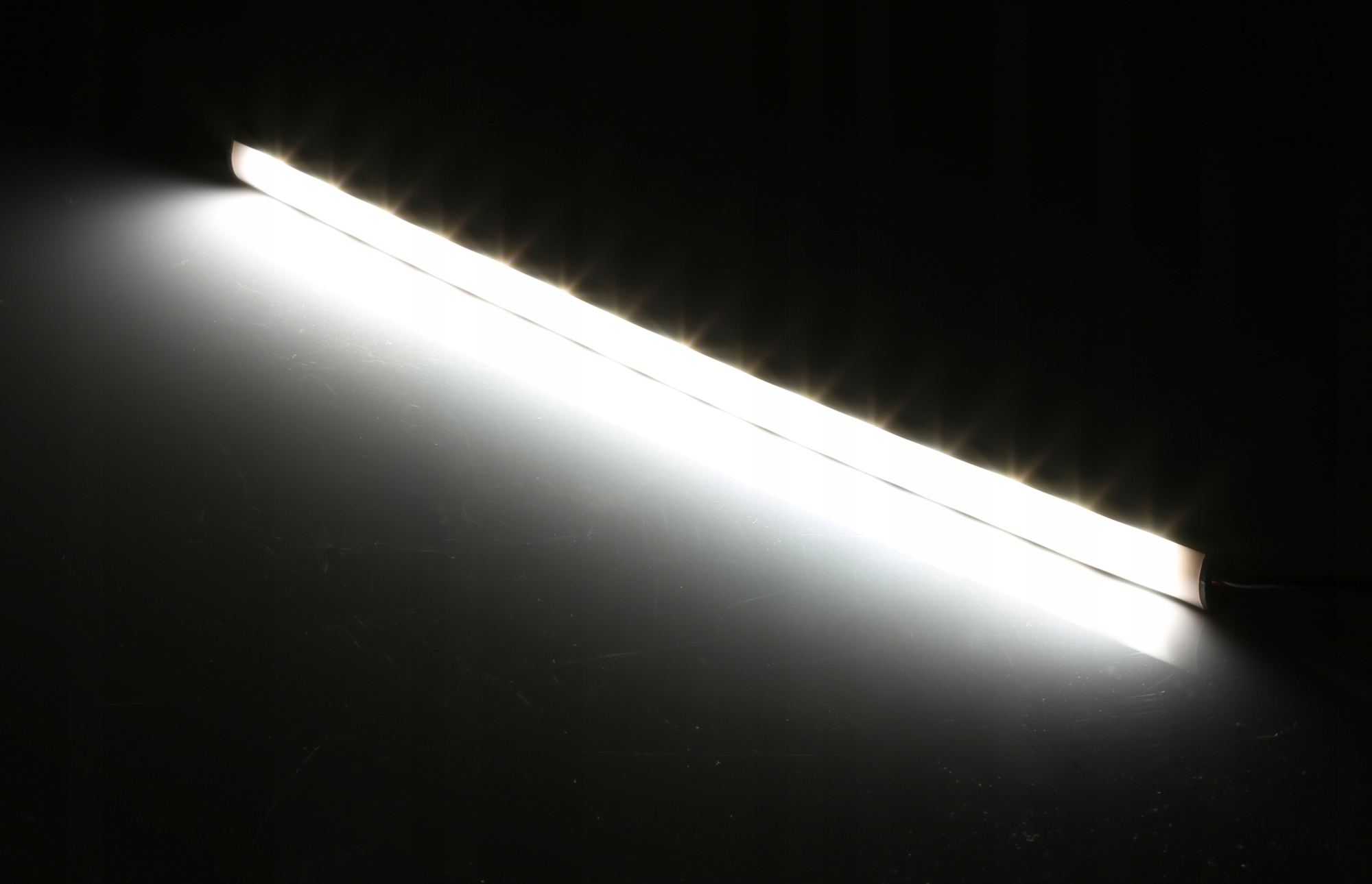 Oświetlenie LED KABINY PAKI BUS LISTWY 2x 1M 12V