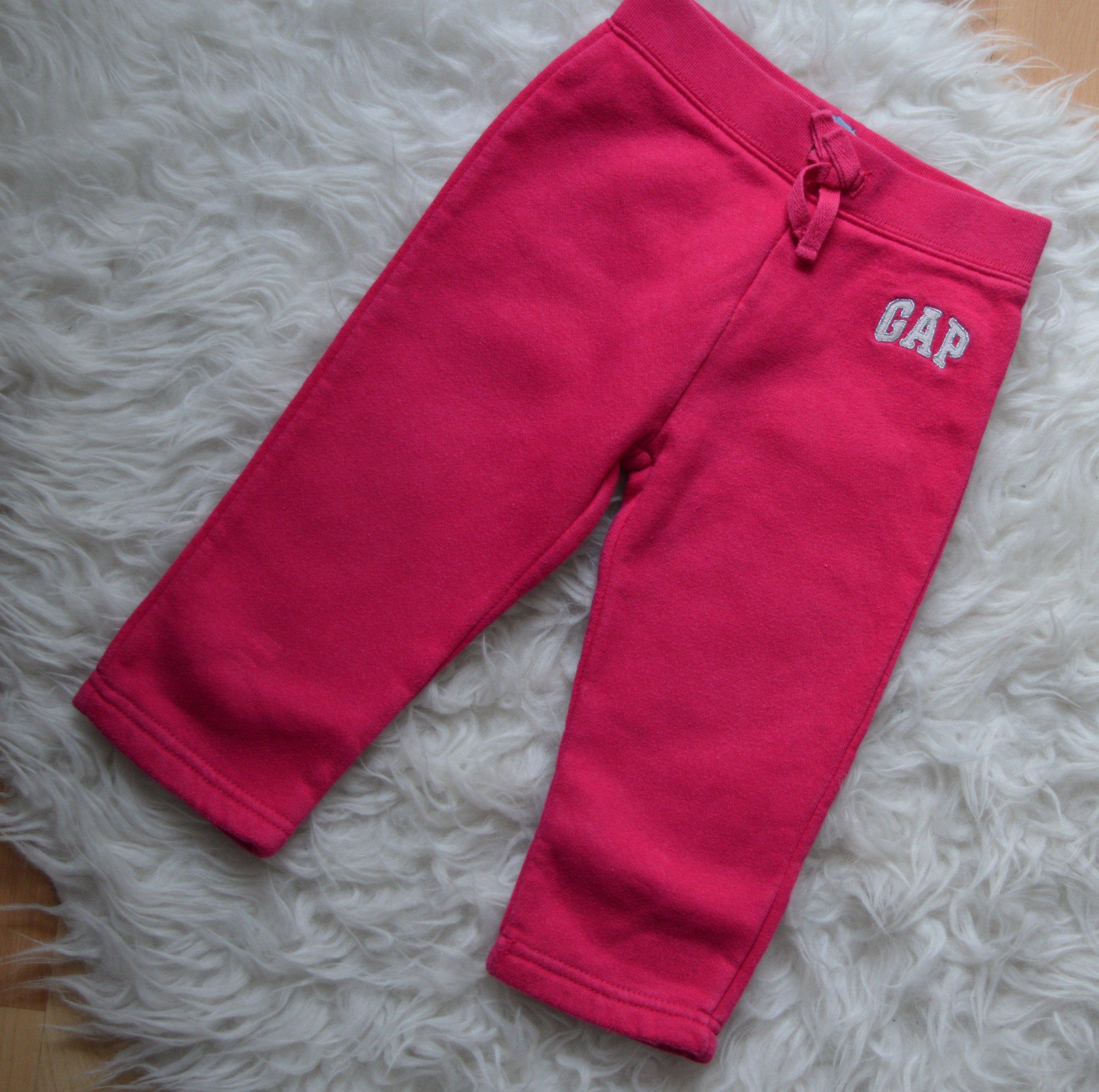 spodnie dresowe GAP różowe 18-28M 90CM stan bdb