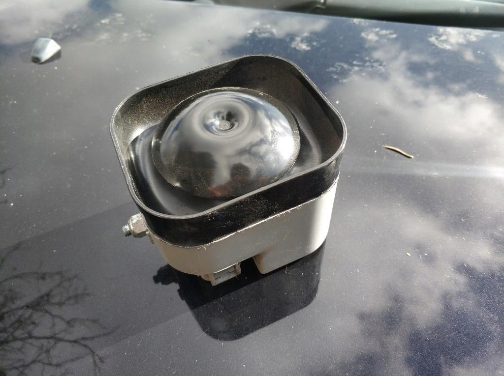 Syrena alarmu Volvo S60 S80 V70 XC70